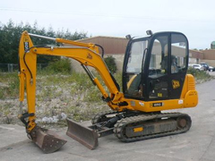 Excavator hire for earthmoving, site clearance and demolition services